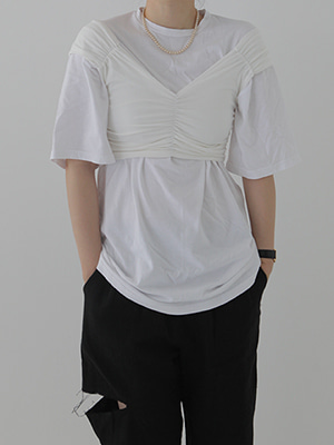 crunchy heart neck top(white,black!)