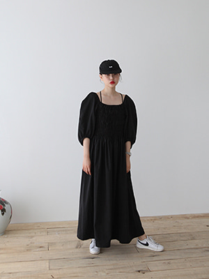 (freckle made♥)shirred bodice square neck dress in black