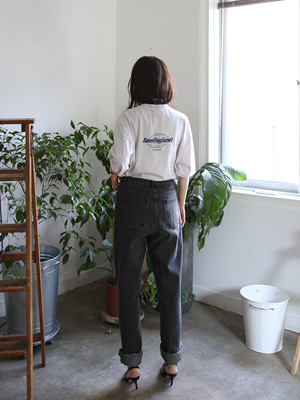 mom jeans in washed black(9/20 이후 입고 예정!)