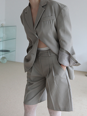 ashgray jacket & bermuda pants suit