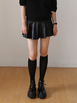 faux leather pleats mini skirt