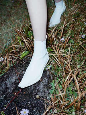 (freckle made♥)pointed chelsea boots(white)