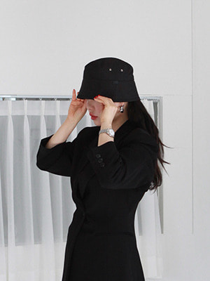 low fit bucket hat(white,black!)