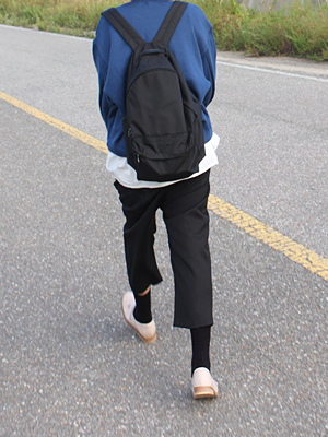 basic ring zipper backpack